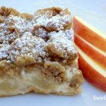 Apple Crumb Pie Cheesecake Bars