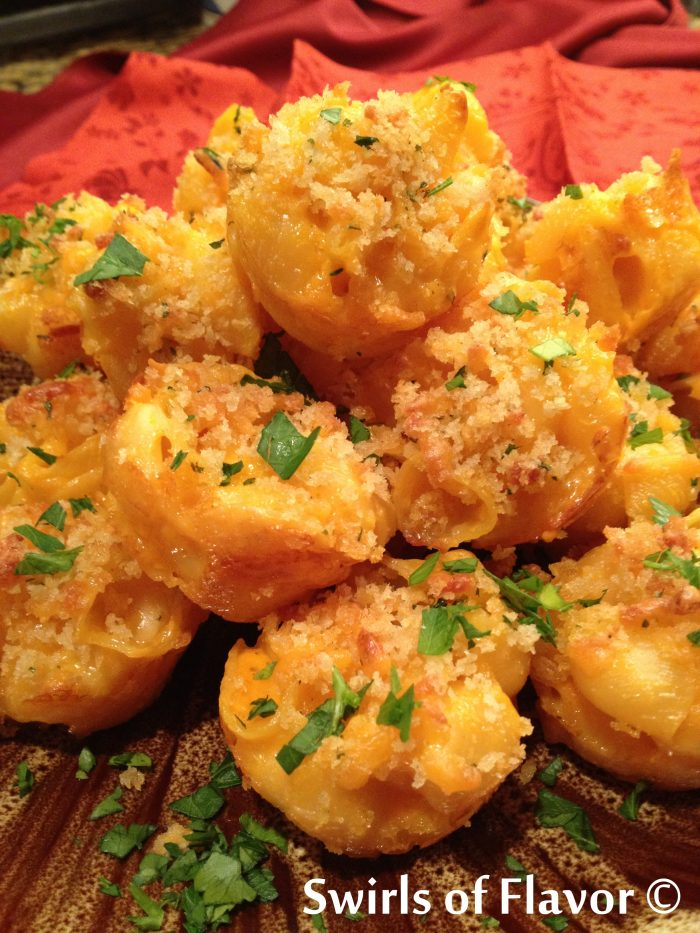 Everyone will love these Mini Mac 'N Cheese Bites made from a store bought mix and with the perfect bit of crunch from panko breadcrumbs! macaroni and cheese | appetizers | fun for kids | cheese | pasta | mini bites
