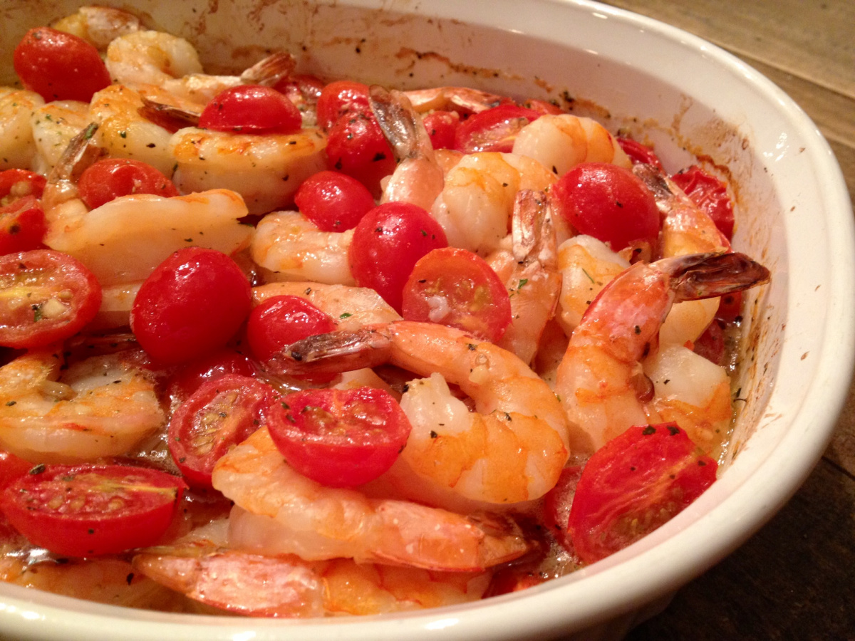 shrimp with tomatoes in baking dish