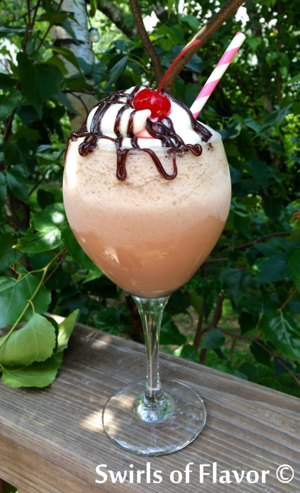 Our Kahua Milkshake combines cold creamy ice cream and rich chocolate milk with the coffee liqueur Kahlua to make the perfect adult beverage that will be the hit of your next summertime happy hour! Kahlua | coffee | milkshake | ice cream drinks | summer | easy recipe | #swirlsofflavor