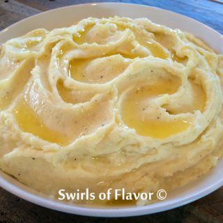 Creamy Garlic-Infused Mashed Potatoes