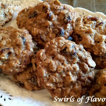 Cranberry Almond Oatmeal Cookies will bring back your childhood memories or warm cookies and milk. Create delicious memories today when you bake up a batch of these cookies! oatmeal   cookies   homemade   cranberry   almond   baking   dessert   fun for kids   classic