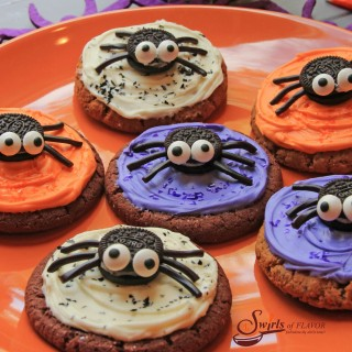 No-Bake Spooky Spider Cookies are the perfect addition to your Halloween celebration this year! They can be an edible craft project for the kids or the googly-eyed dessert you've made to celebrate the spookiest of days. #cookies #Halloween #nobake #funforkids #easydessert #cookiespiders #minioreos #dessert #cookies #swirlsofflavor
