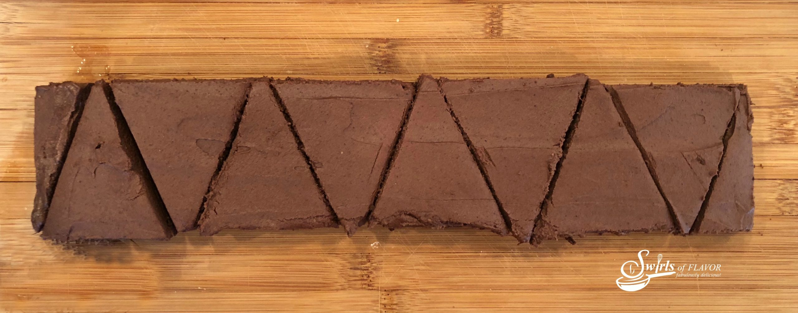 How to cut brownies into triangles for reindeer brownies