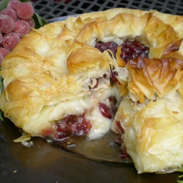baked brie with cranberries and phyllo dough