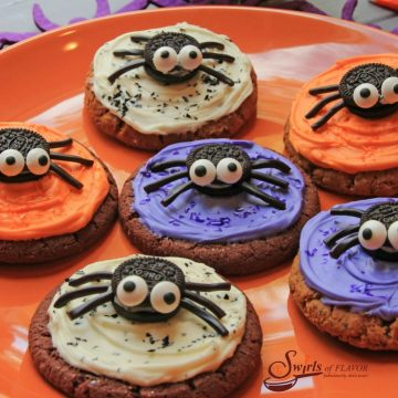 oreo spiders on top of cookies