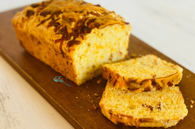 Bacon cheddar Cheese Bread on cutting board